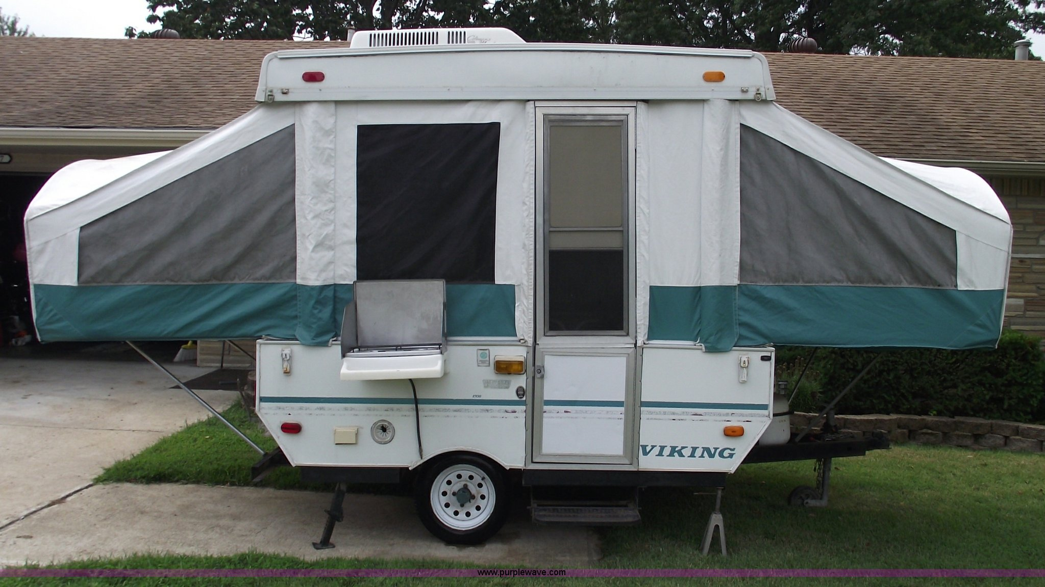 1996 Viking 1706 pop-up camper | Item A4062 | SOLD ...