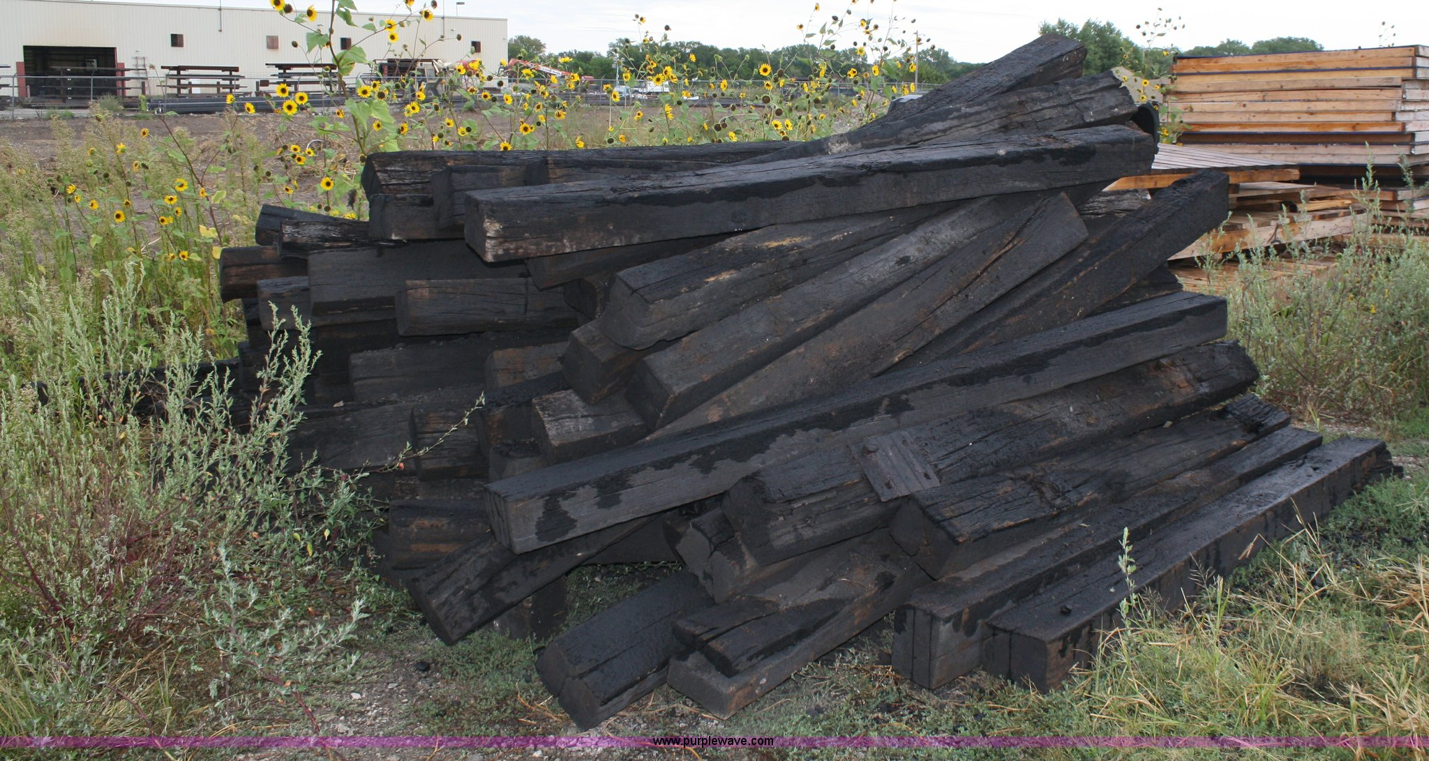253) used railroad ties | Item B9254 | SOLD! October 5 Midw