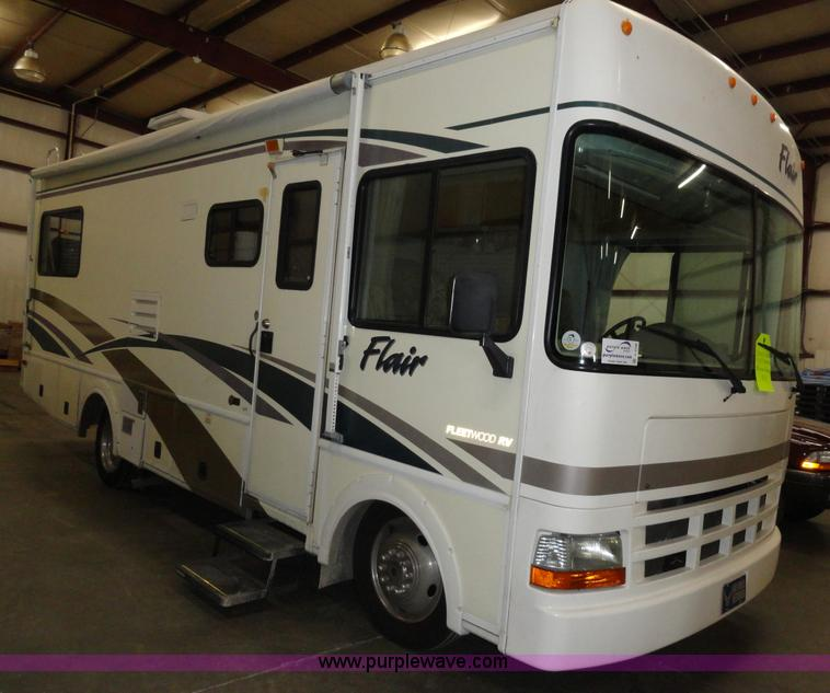 2002 Workhorse P30 Fleetwood Flair RV   Item A3198   SOLD! O