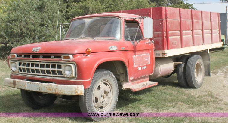 1965 ford f600 grain truck item a2978 sold october 26 a. Black Bedroom Furniture Sets. Home Design Ideas
