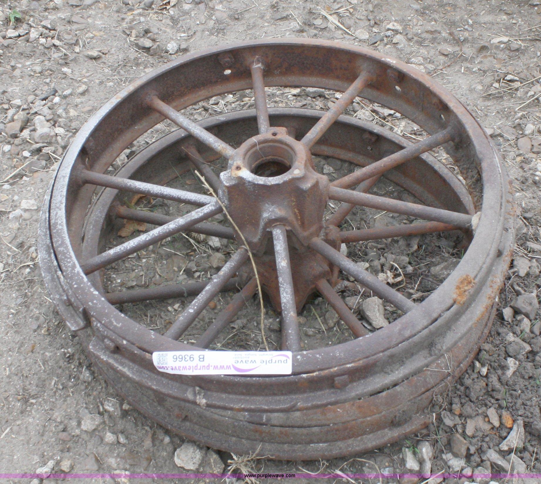 Deere Tractors On Steel Wheels : John deere model b front steel wheels item