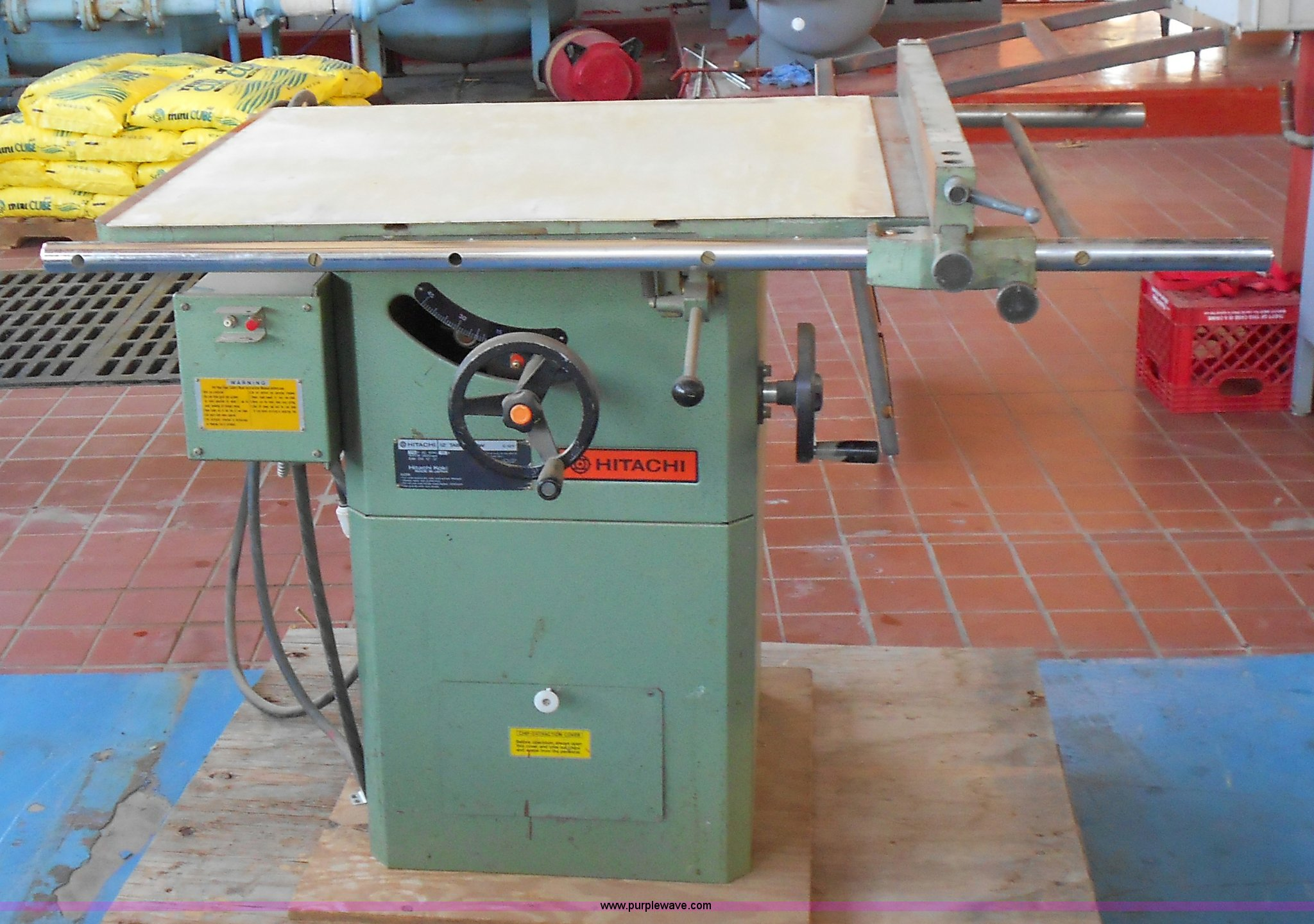 Hitachi table saw item d9082 sold november 8 government d9082 image for item d9082 hitachi table saw greentooth Gallery