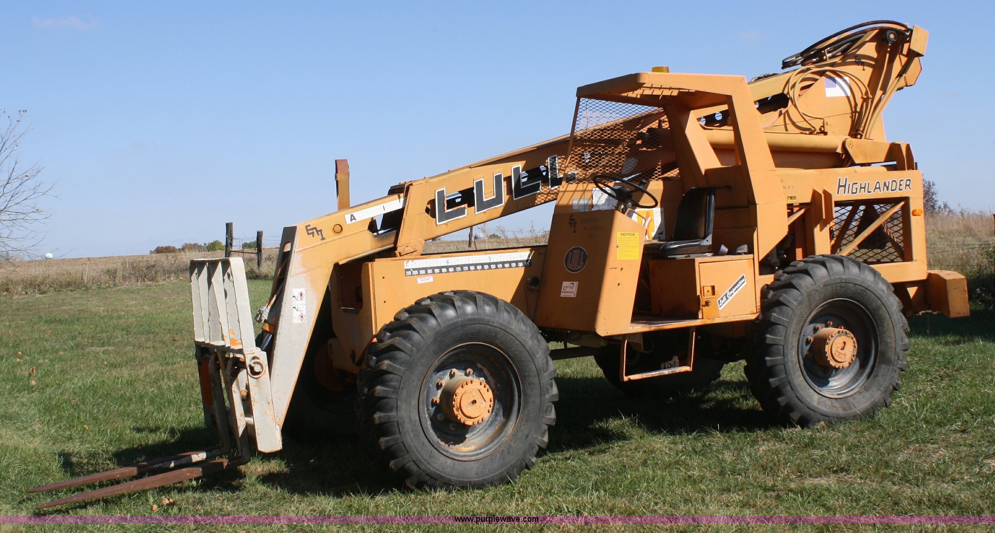 A6503 image for item A6503 1984 Lull Highlander 844 telehandler