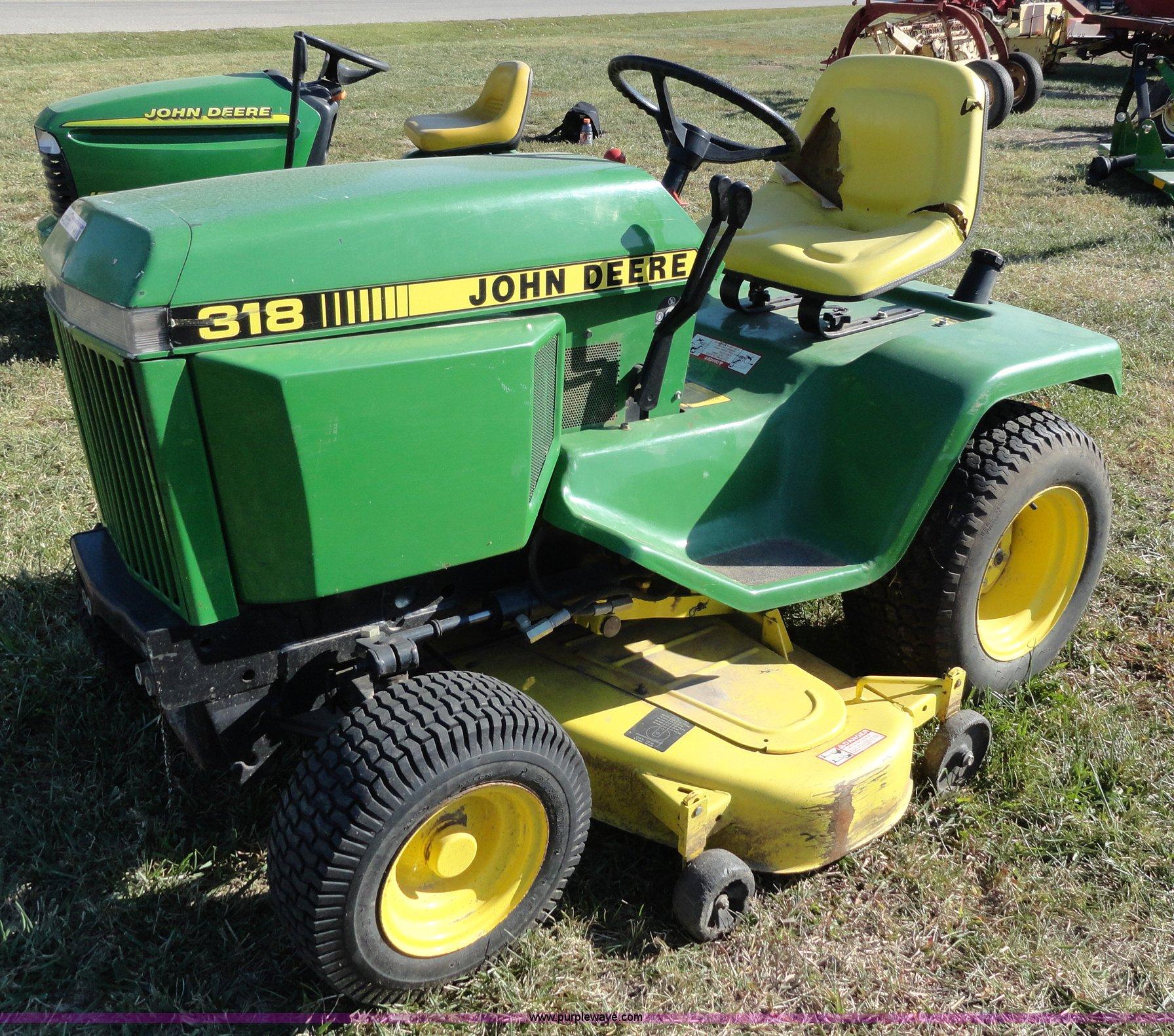 John Deere 318 >> John Deere 318 Lawn Mower Item F9419 Sold November 16 A