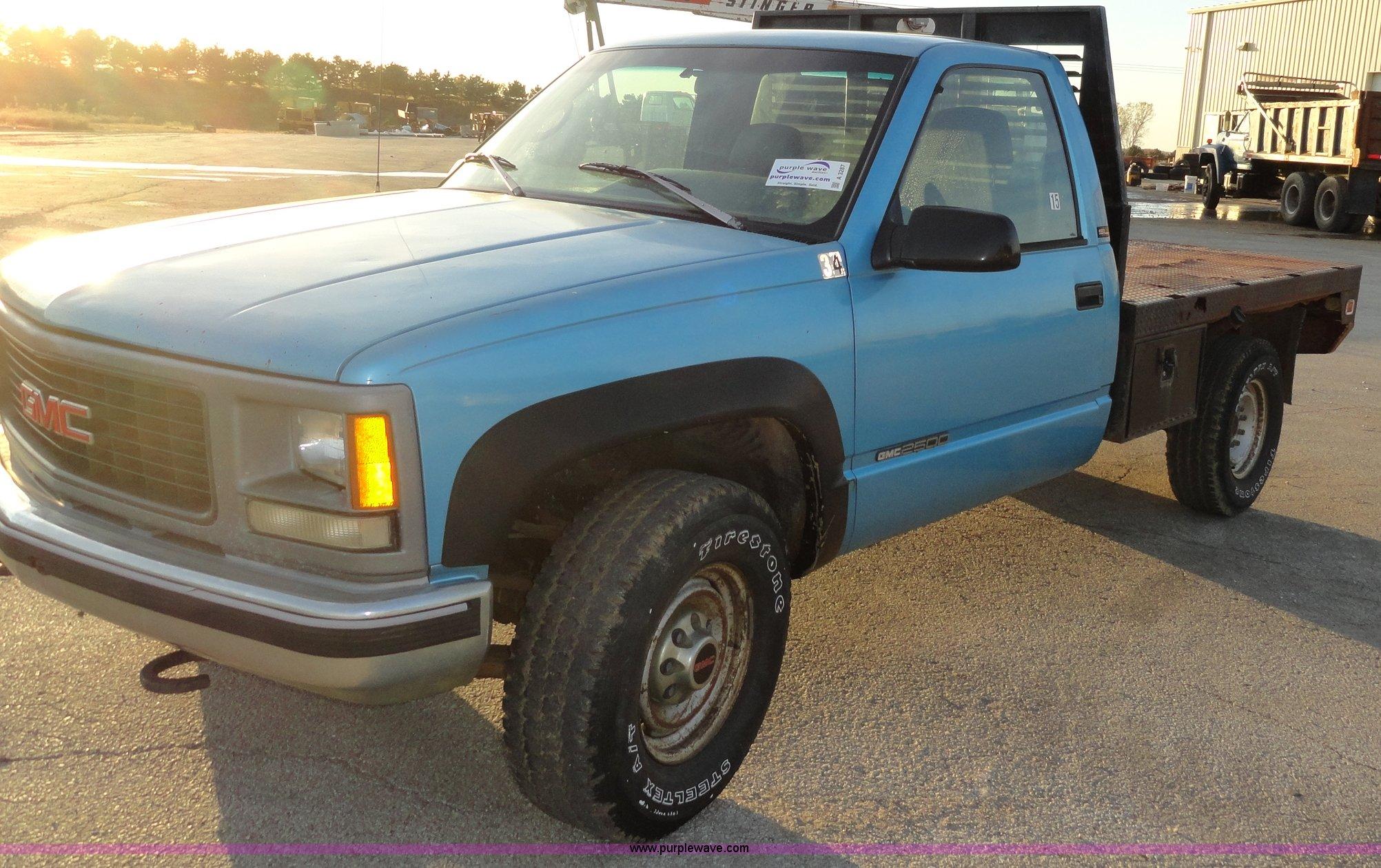 1995 gmc sierra 2500 tire size