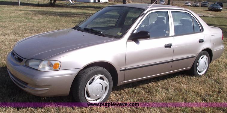 1998 Toyota Corolla CE  Item C5725  SOLD November 30 Midw