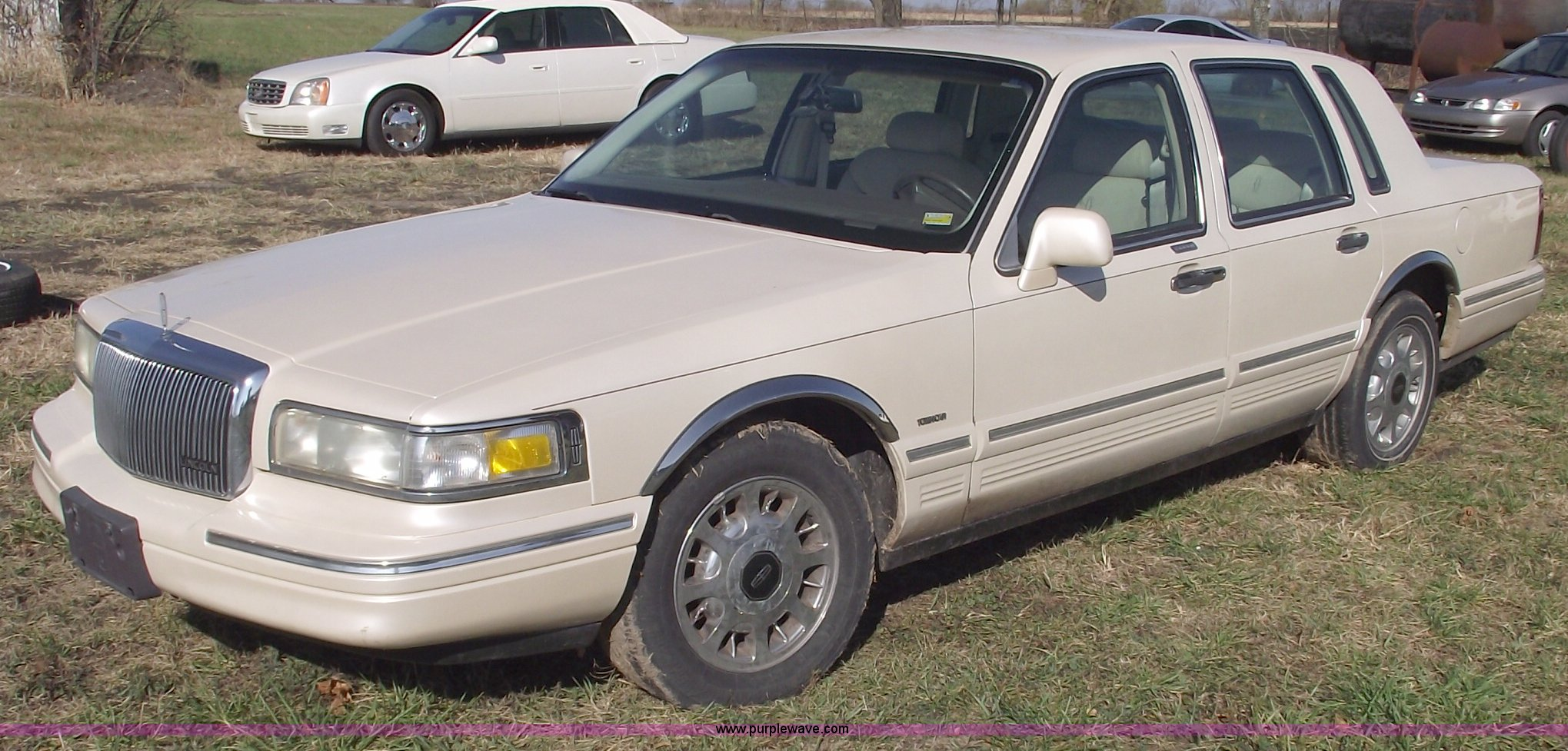 1997 Lincoln Town Car Cartier Item C5740 Sold November