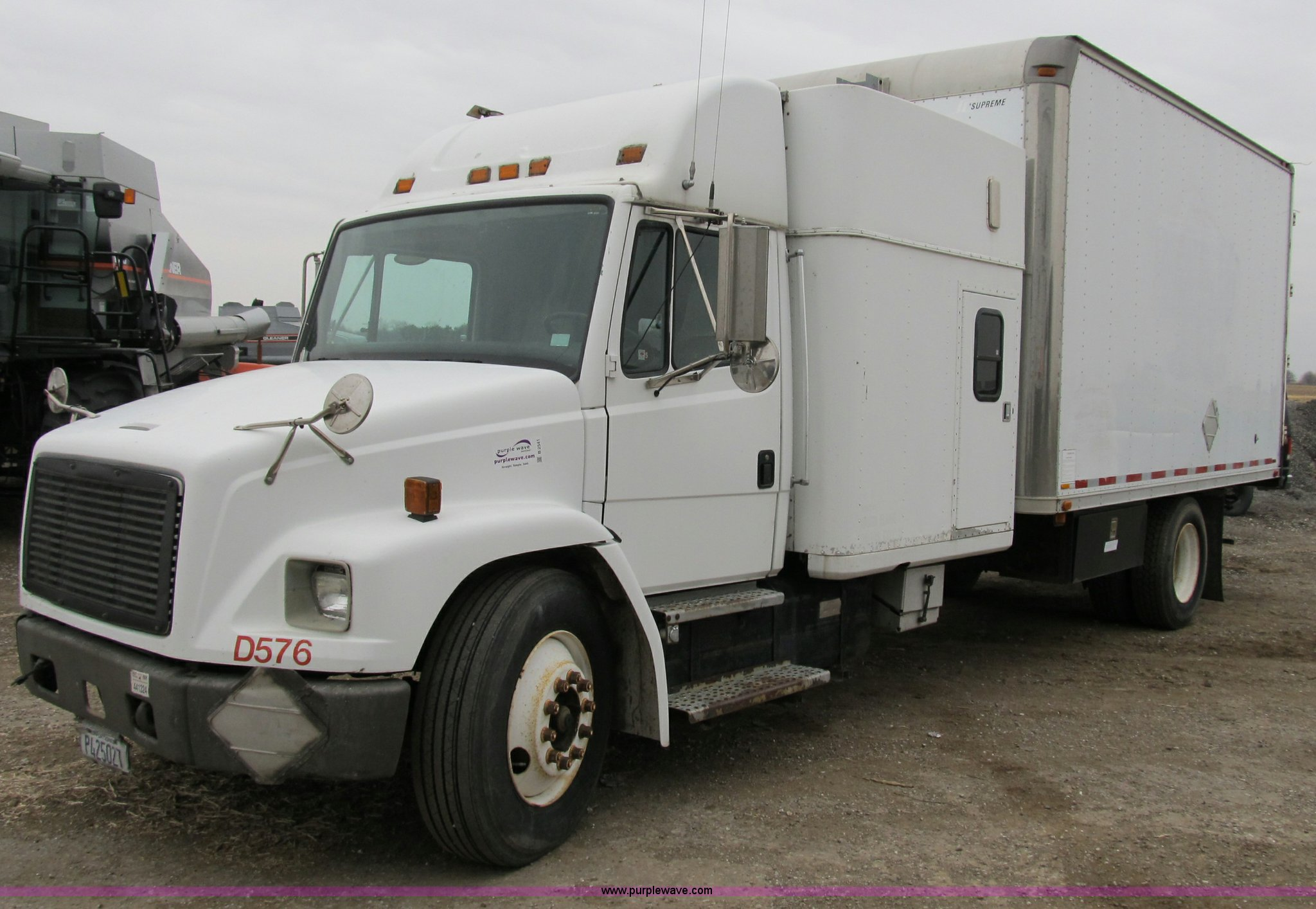 1997 Freightliner Fl60 Box Truck With Sleeper Item B2541