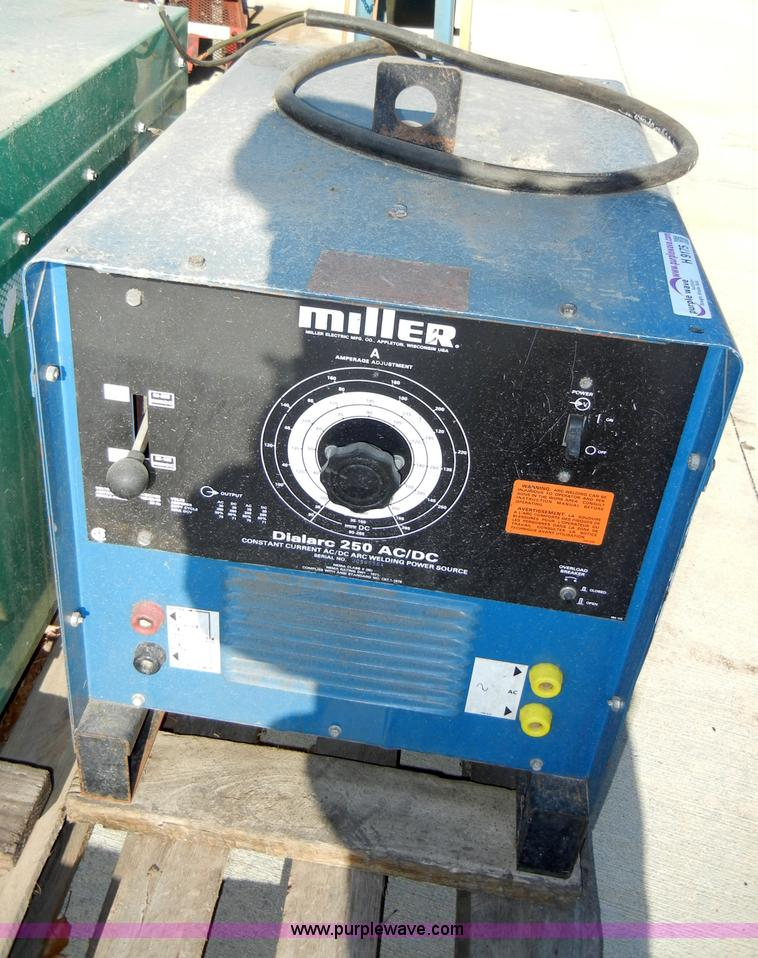 Miller Arc Welder >> Miller Dialarc 250 Ac Dc Arc Welder Item H9175 Sold Jan