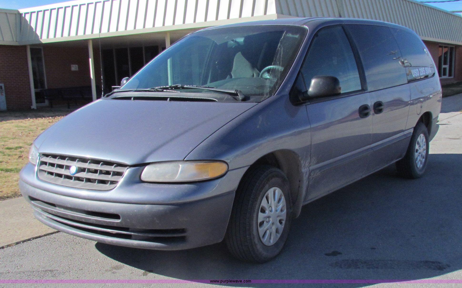 1998 plymouth grand voyager mini van in cedar vale ks item d9171 sold purple wave 1998 plymouth grand voyager mini van in
