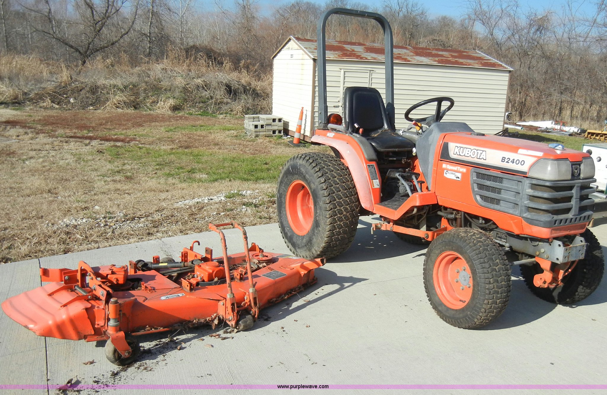 H9172 image for item H9172 Kubota B2400 tractor with mower