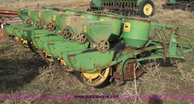 John Deere 1250 Six Row Planter Item B8904 Sold Februar