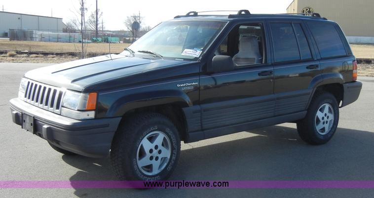 1995 jeep grand cherokee laredo suv item a3468 sold feb. Black Bedroom Furniture Sets. Home Design Ideas