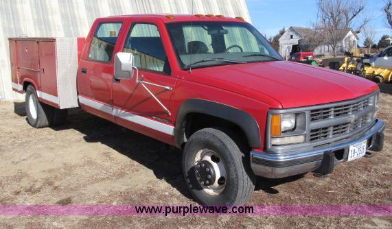 1997 Chevrolet Cheyenne 3500 crew cab service truck   Item B