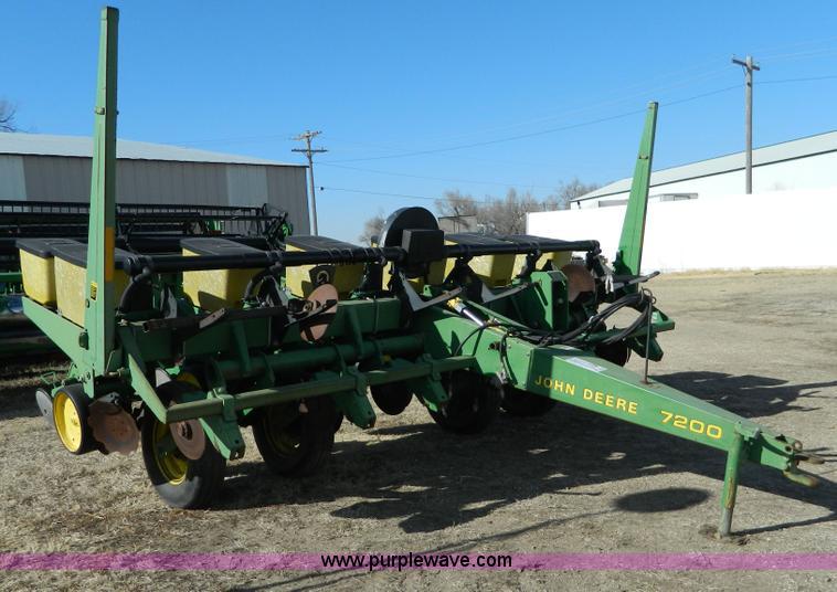 John Deere 7200 Split Row Planter Item D8748 Sold Febru