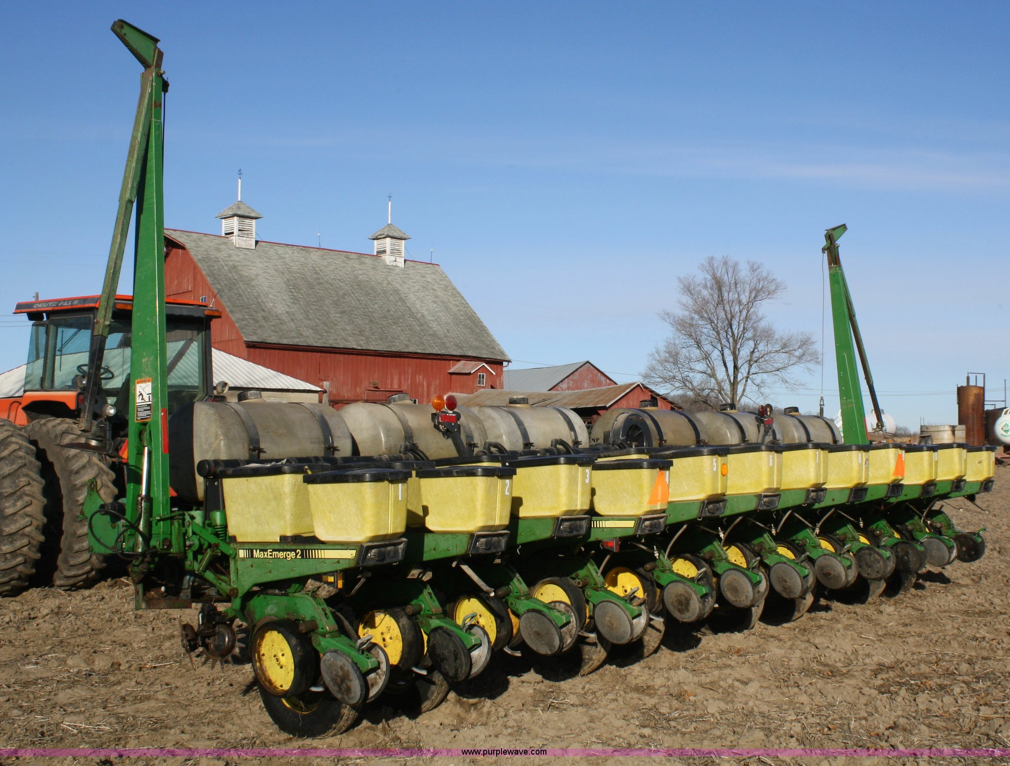 John Deere 7200 12 Row Planter Item A6730 Sold February