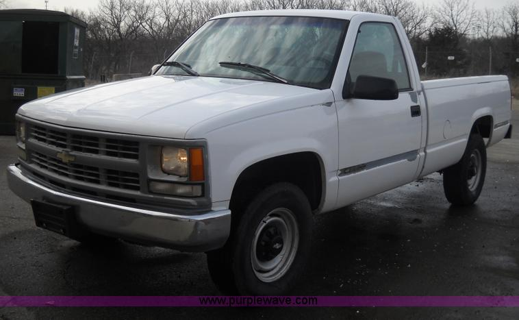 A1842 Image For Item 1999 Chevrolet C2500 Pickup Truck