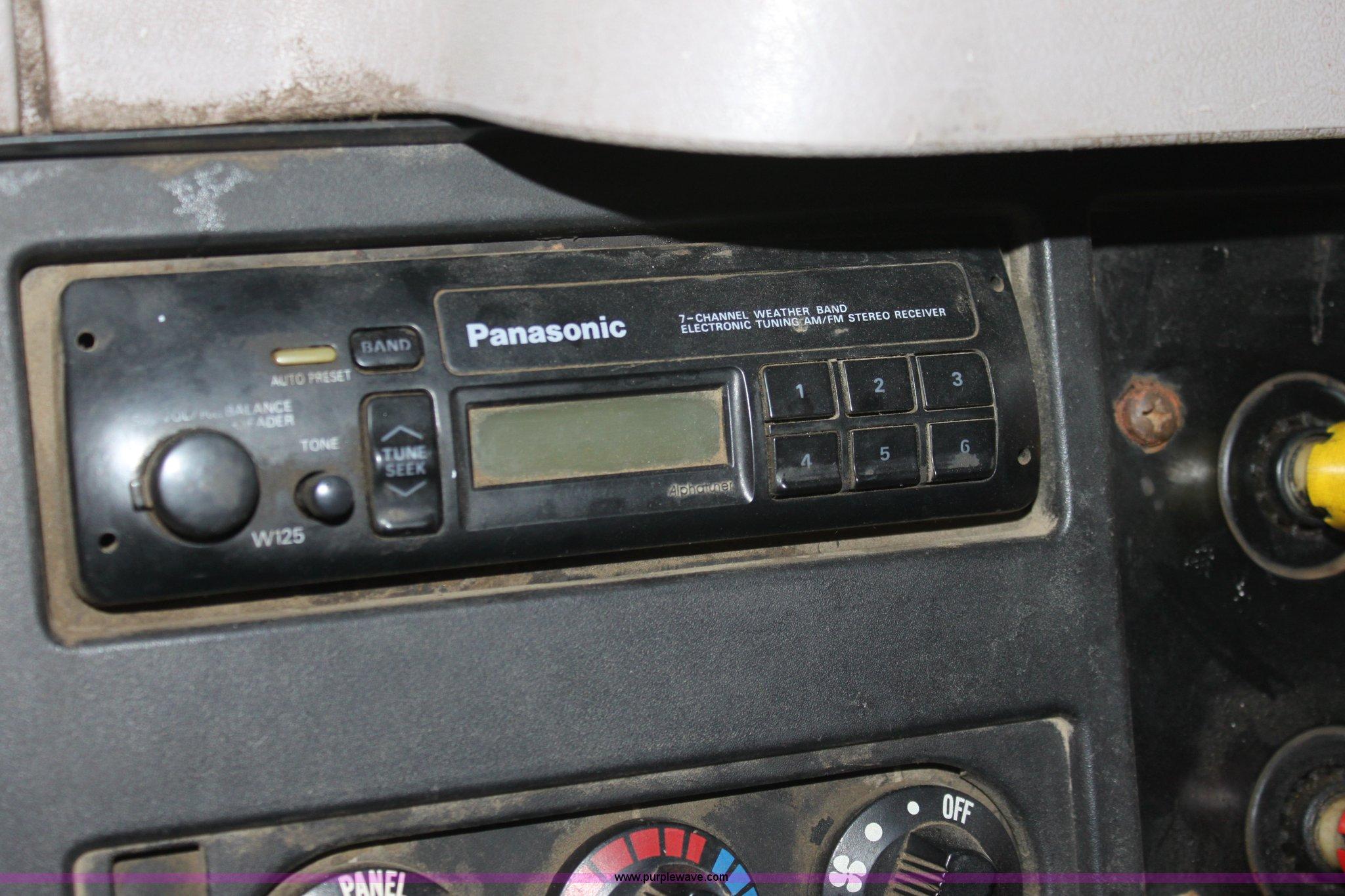 1997 International 4900 Tandem Axle Dump Truck Item A7172 Car Radio Wiring Panasonic W125 Full Size In New Window