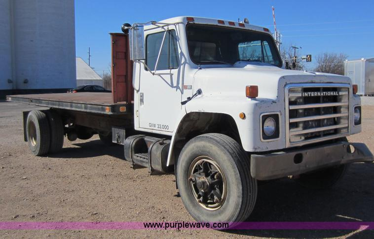 1984 international s 1900 truck with feed liner box  top head rigs sun  machinery  wheel some wiring diagrams presented above  international s1900  trucks for