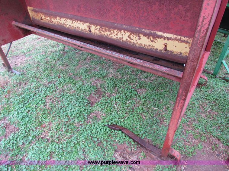 3) cattle creep feeders | Item B7184 | SOLD! March 28 Ag Eq
