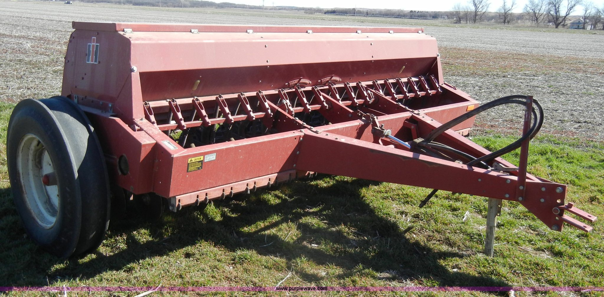 ... IH 5100 soybean special drill Full size in new window ...