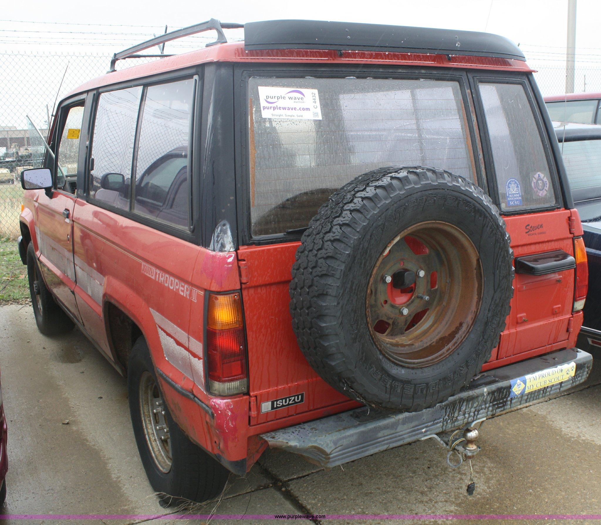1986 Isuzu Trooper II SUV