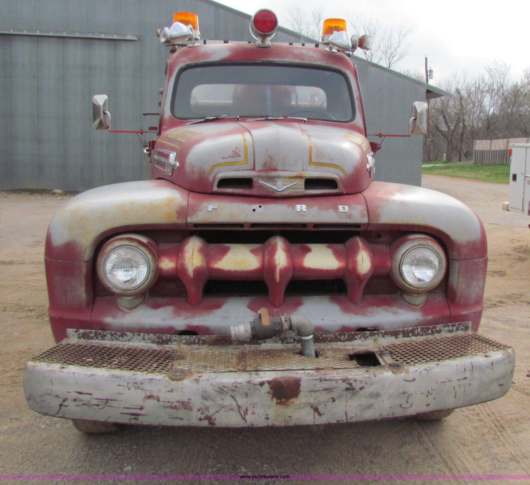 1952 Ford F 7 Big Job fire truck Item B7205
