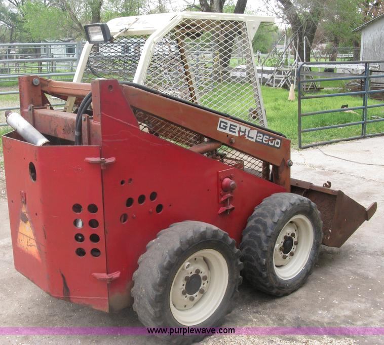 Gehl 2600 skid steer | Item A6183 | SOLD! April 25 Ag Equipm