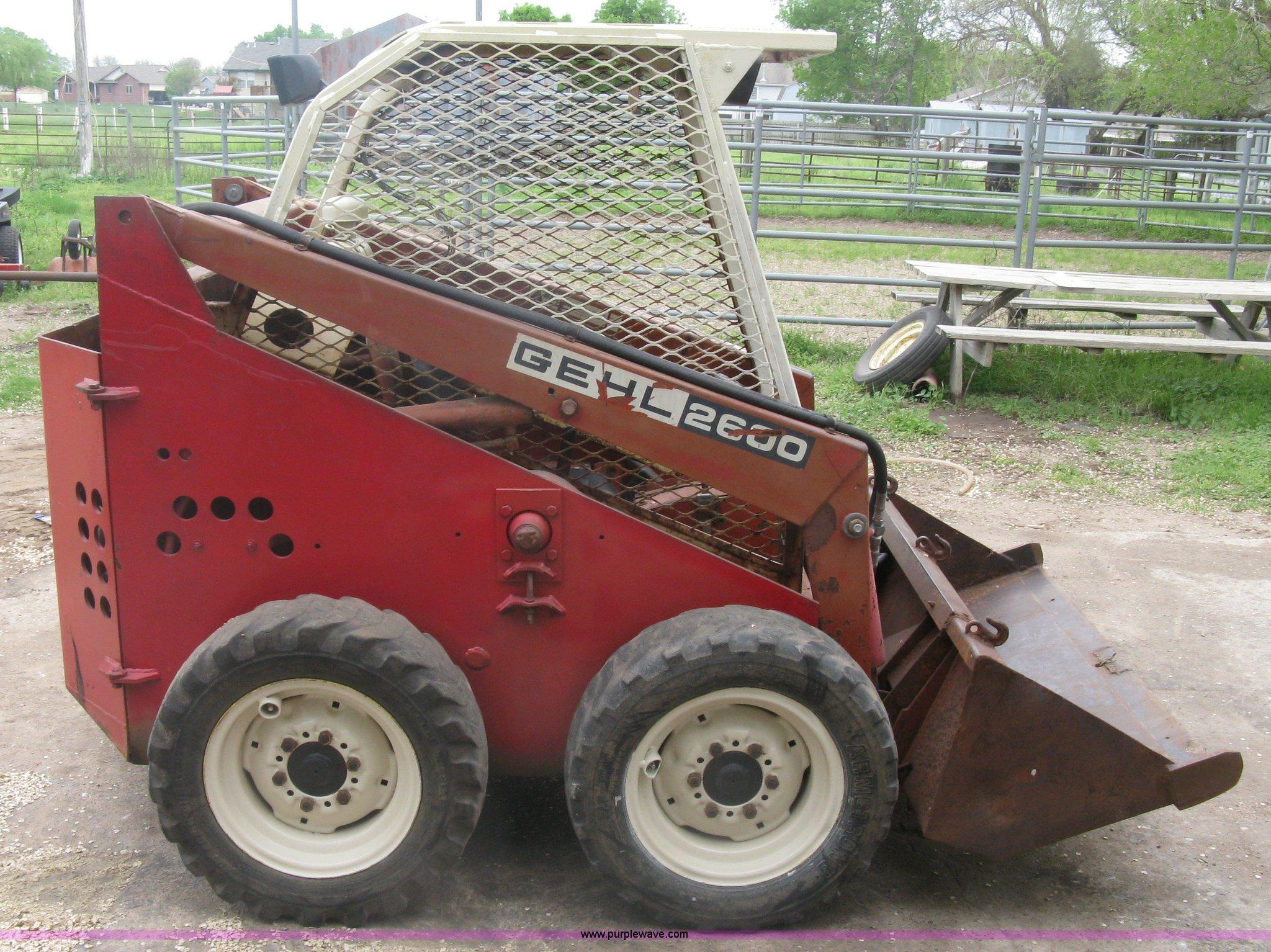 Gehl 2600 skid steer | Item A6183 | SOLD! April 25 Ag Equipm