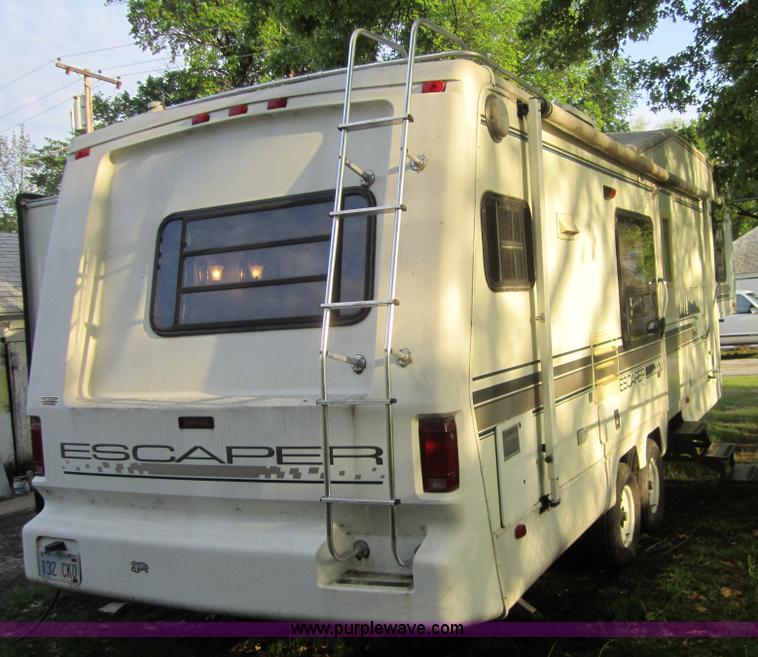 1995 Damon Escaper 30' fifth wheel camper | Item C5387 | SOL