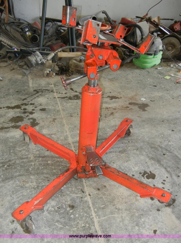 Norco 1/2 ton hydraulic telescopic transmission jack | Item
