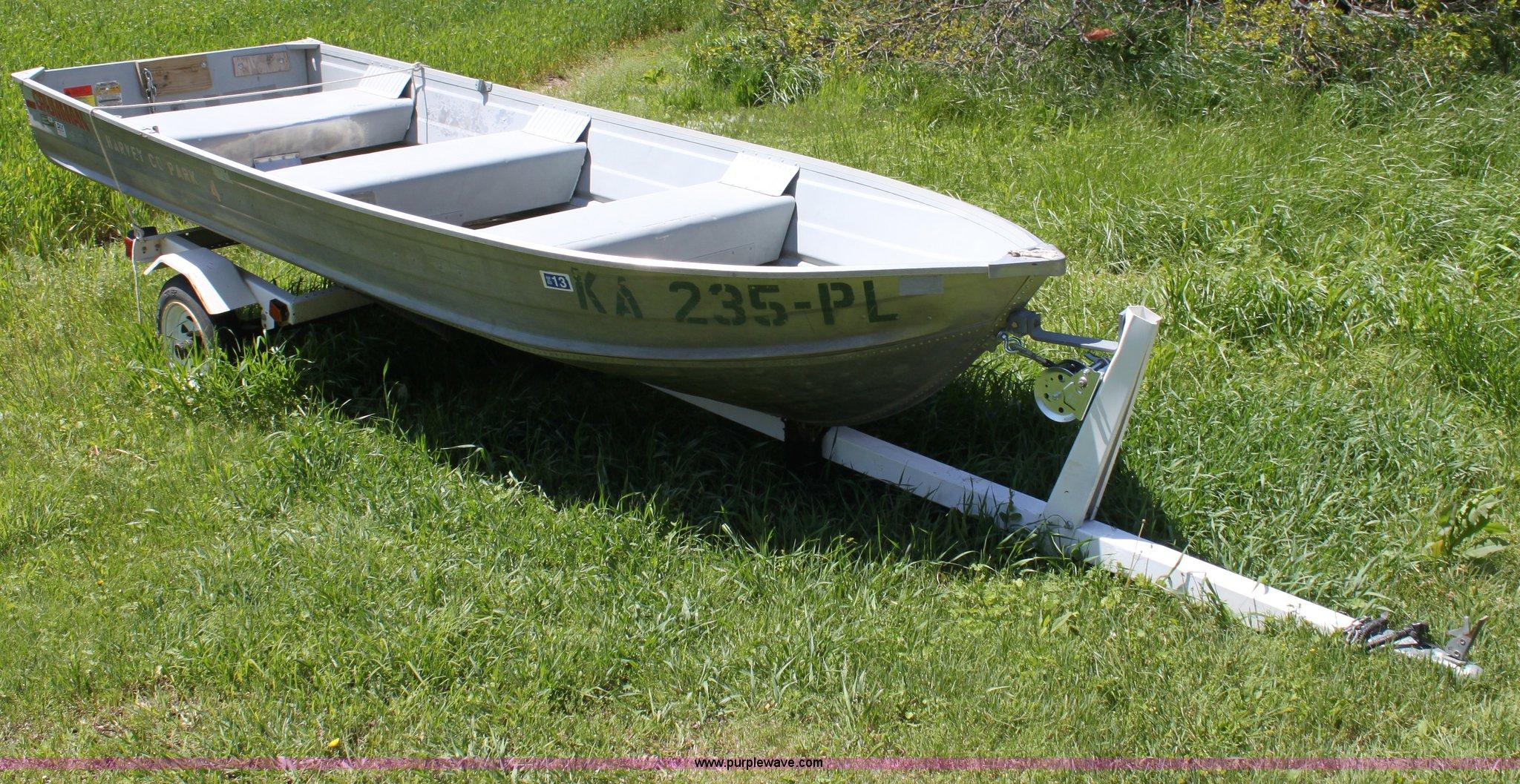 1992 Grumman 14' aluminum V bottom boat in Newton, KS | Item D7814