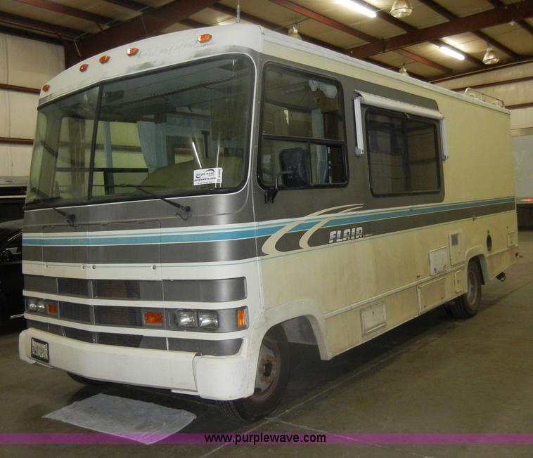 1991 ford flair fleetwood rv item d4048 sold may 15 khp. Black Bedroom Furniture Sets. Home Design Ideas