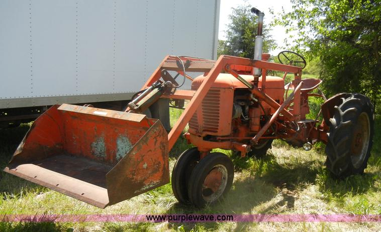 Case Vac Equipment : Case vac tractor with loader bucket item k sold