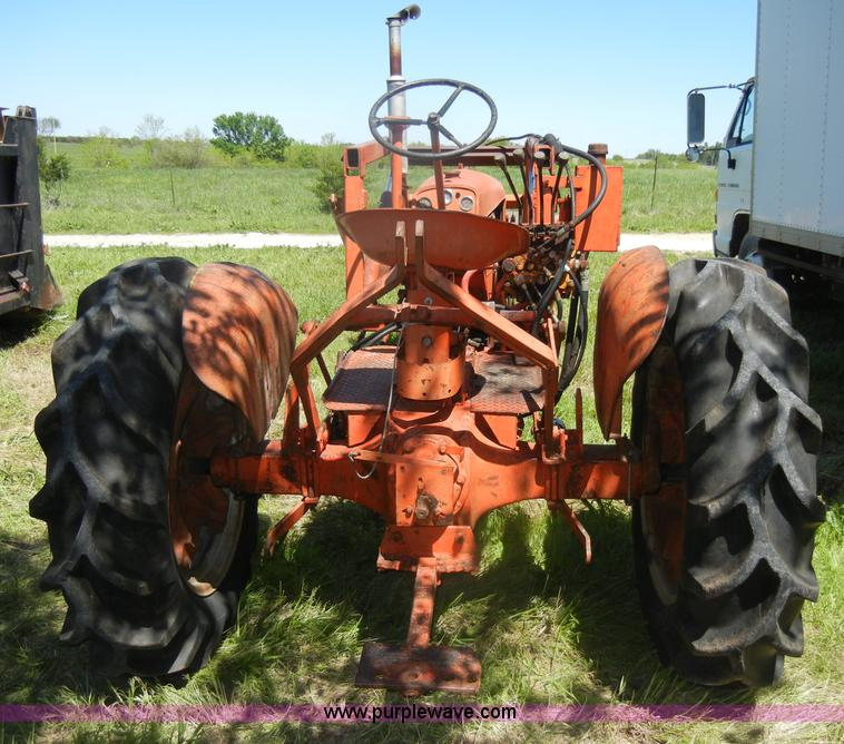Case Vac 3 Point : Case vac tractor with loader bucket item k sold