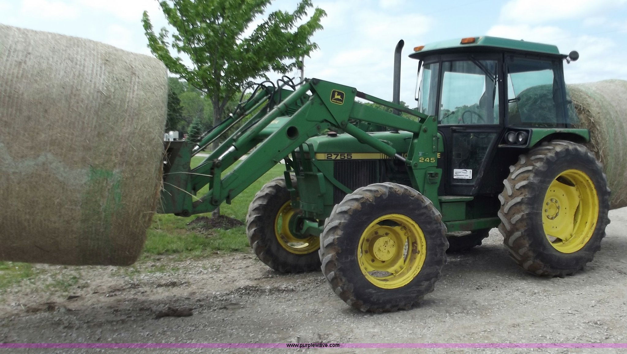 C2096 image for item C2096 1991 John Deere 2755 MFWD tractor ...