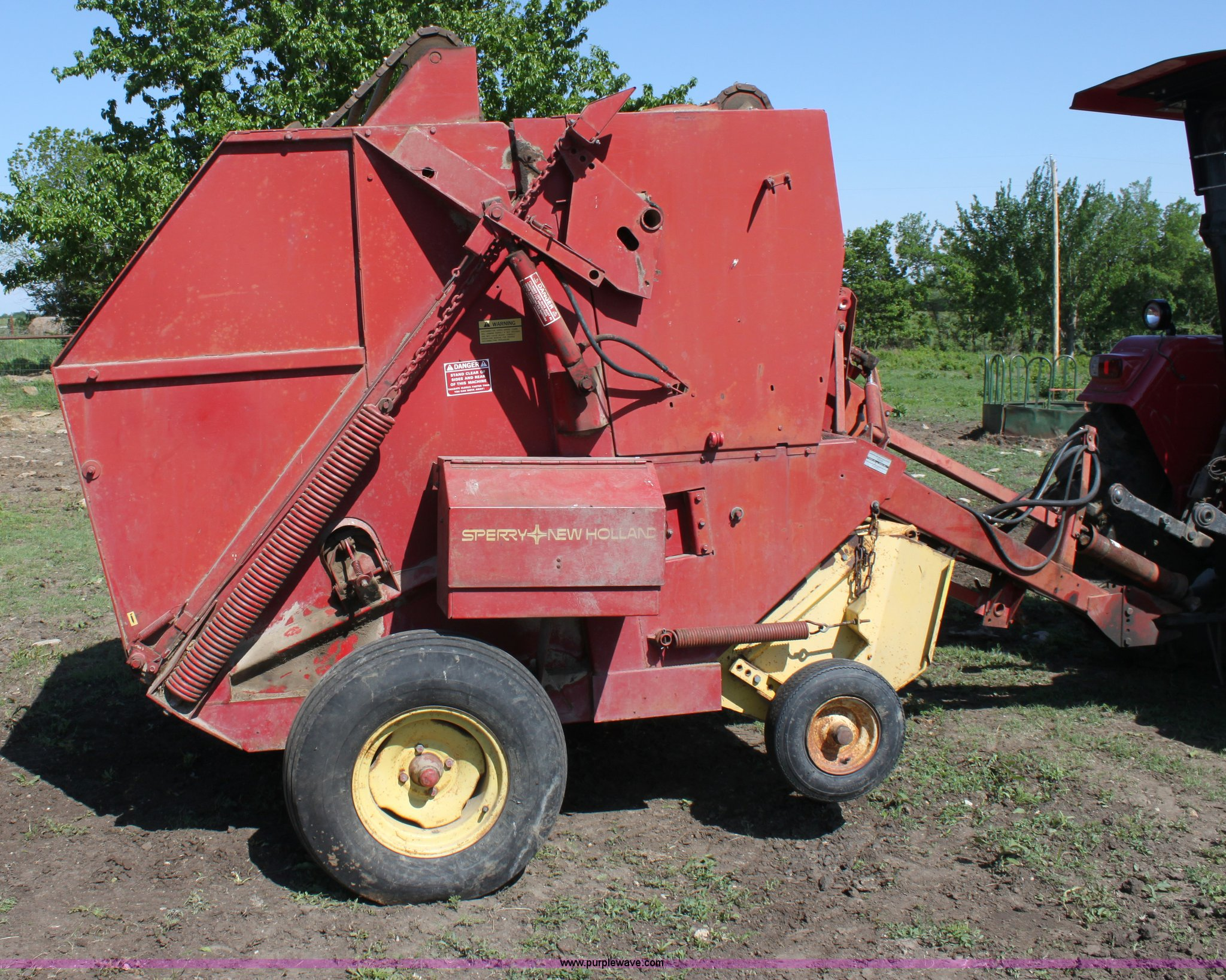 ... Holland 845 round baler Full size in new window ...