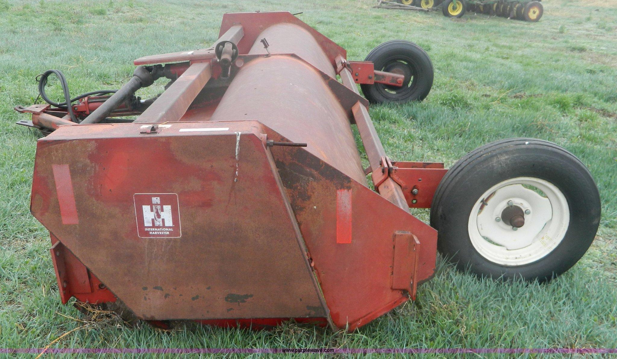 International Harvester 14' 60 flail mower | Item T9800 | SO