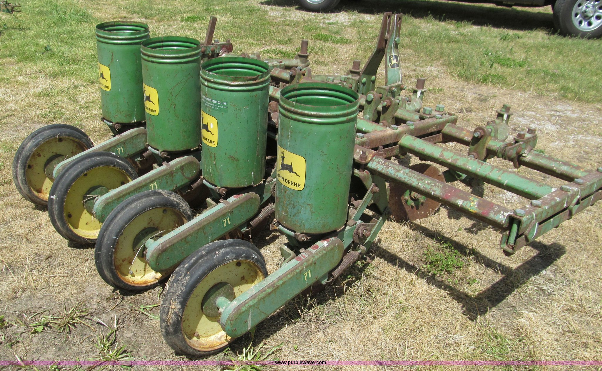 John Deere 71 Flex Four Row Planter Item D3201 Sold May