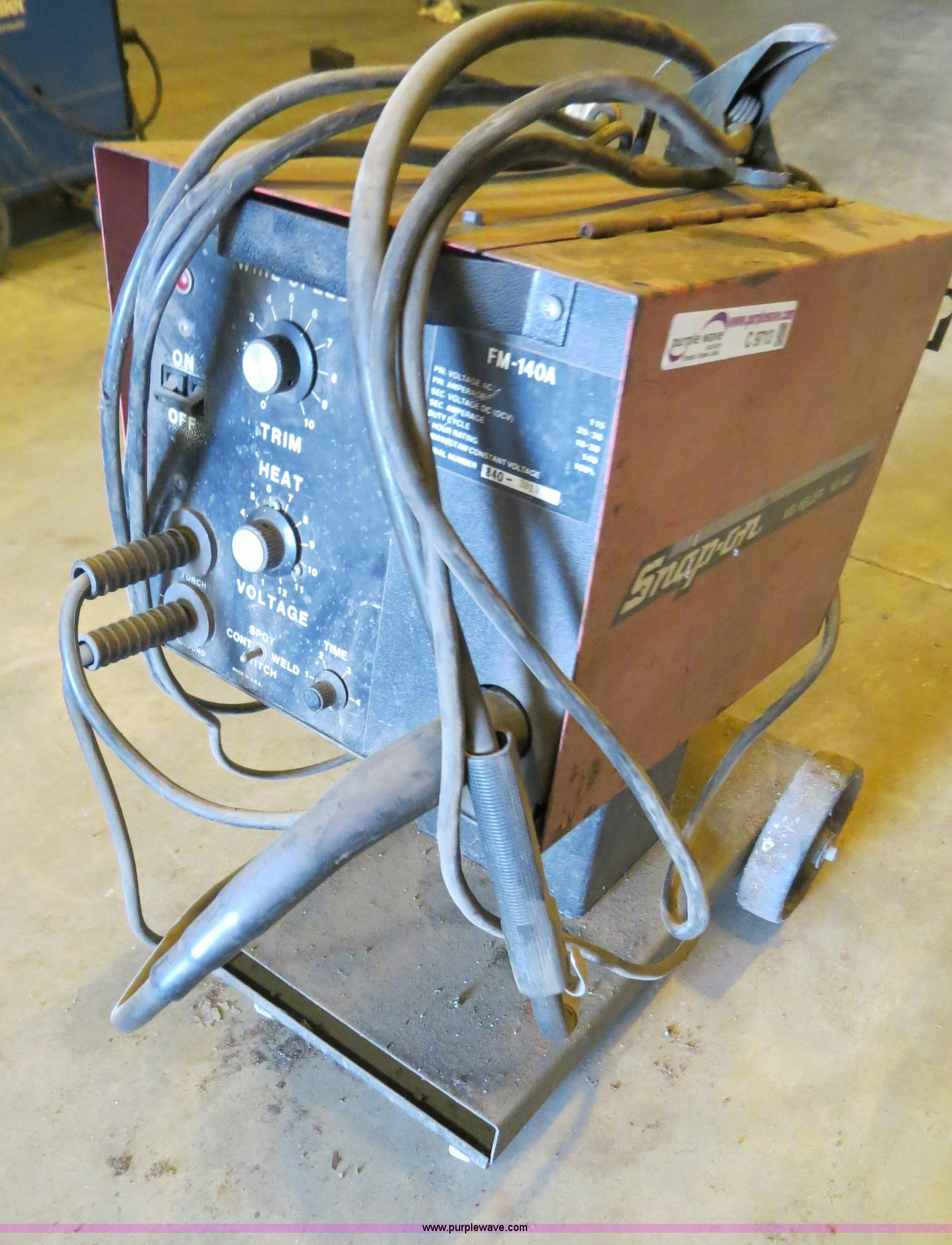 Snap-On MIG welder | Item C9713 | SOLD! June 27 Midwest Auct...