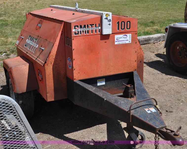 smith 100 air compressor item a5919 sold june 28 constr rh purplewave com smith 100 air compressor manual smith air compressor parts