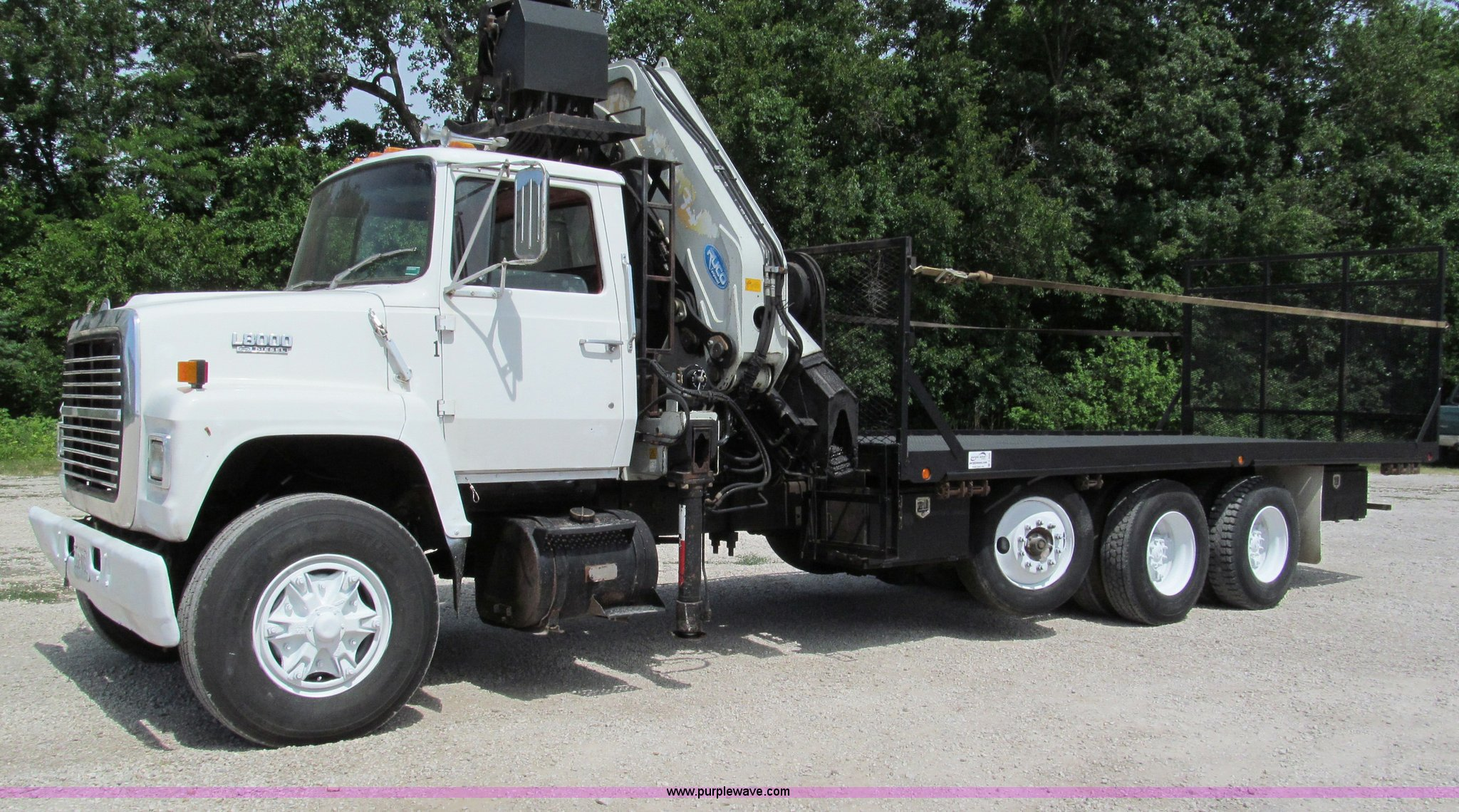 C2220 image for item C2220 1987 Ford L8000 ...
