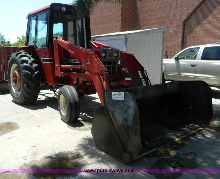 1982 International 684 tractor | Item B3770 | SOLD! July 10