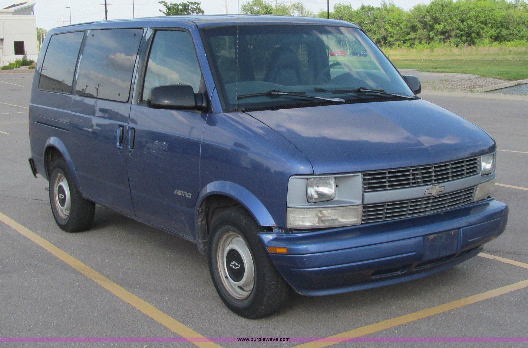 1996 chevrolet astro van item m9250 sold july 10 govern rh purplewave com 1998 Chevy Astro Van 1998 Chevy Astro Van
