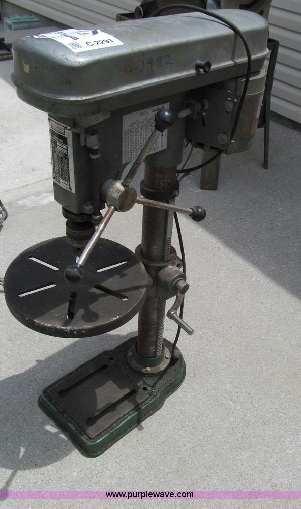 dura craft 1600 3 4 bench drill press item c2291 s rh purplewave com Duracraft Drill Press Chuck Floor Drill Press