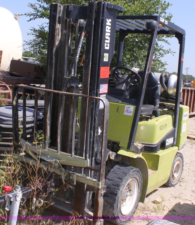 Clark CGP25 Forklift Item D5183 SOLD July 12 Constructi