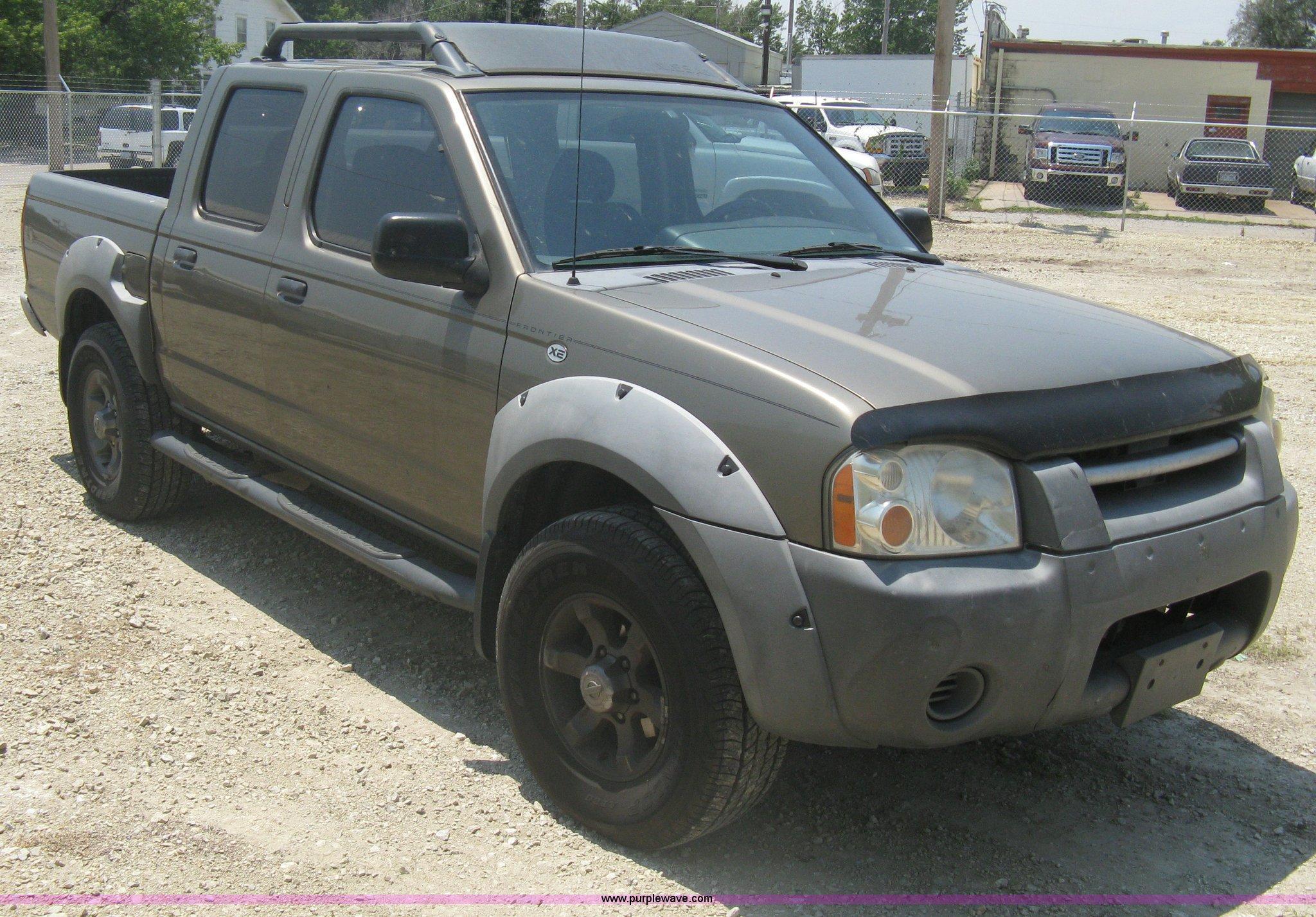 2001 Nissan Frontier Xe Crew Cab Pickup Truck