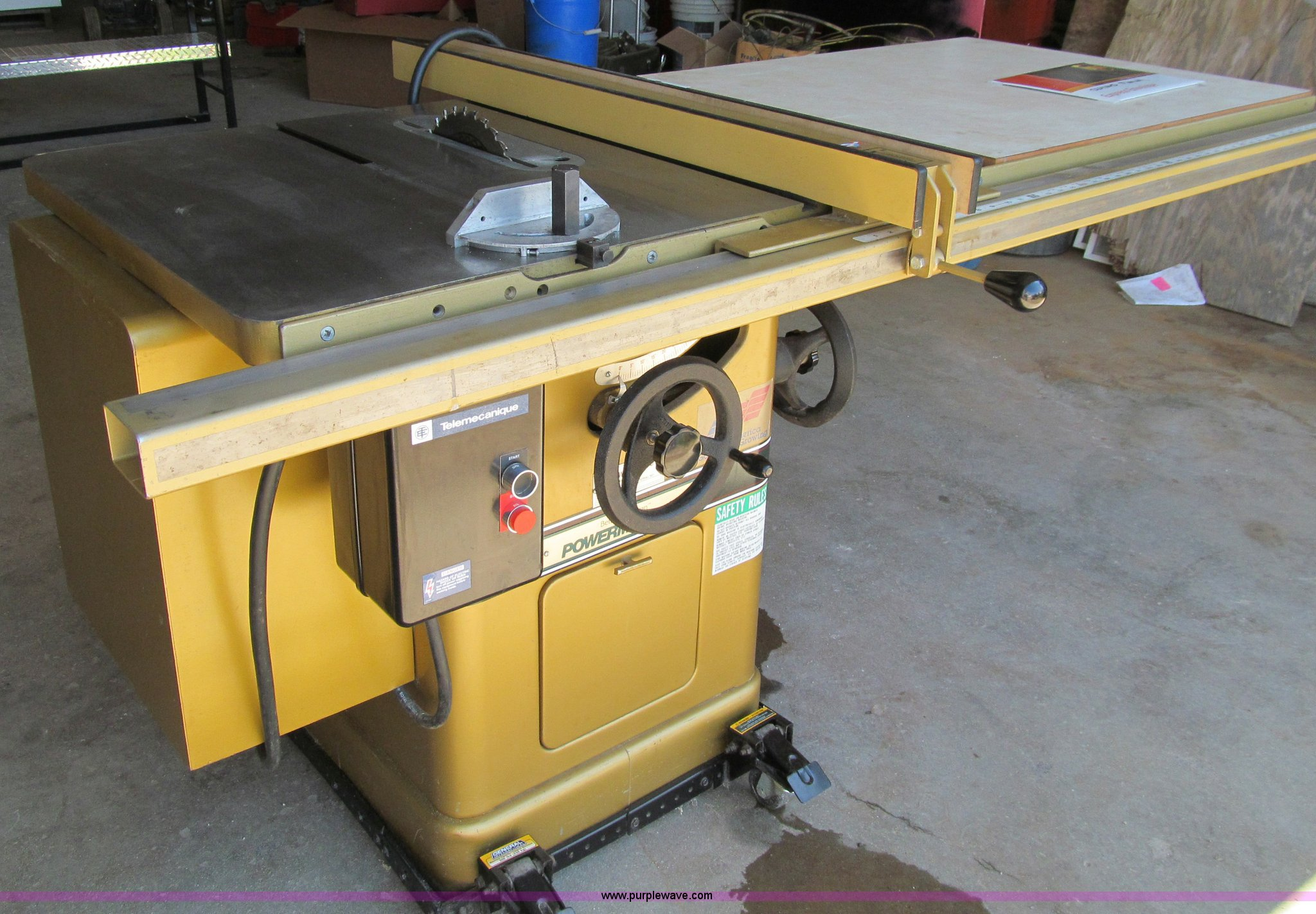 powermatic 66 table saw item a8358 sold wednesday july rh purplewave com powermatic table saw pm2000 powermatic table saw specs