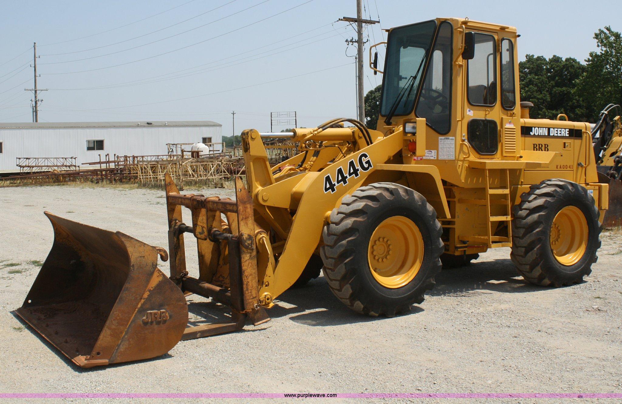 B6700 image for item B6700 1995 John Deere 444G wheel loader
