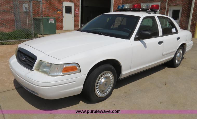 Ford Crown Victoria Police Interceptor Item B S - 2001 crown victoria